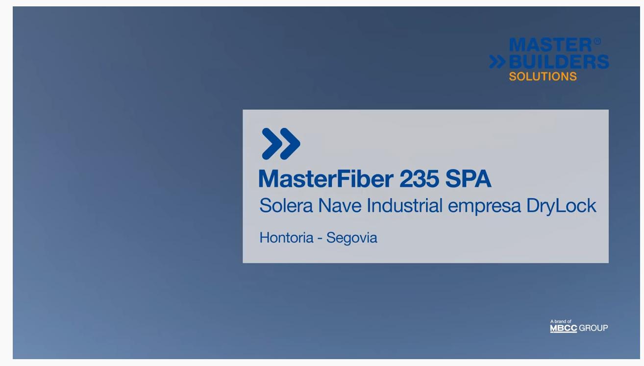 Solera en nave industrial DryLock-Segovia con la fibra MasterFiber 235 SPA para refuerzo de hormigón